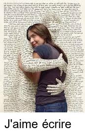 Page d'écriture enlaçant la rédactrice
